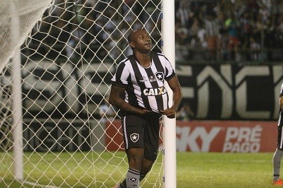 Em casa, Botafogo e Furacão vencem jogos de ida da Pré-Libertadores
