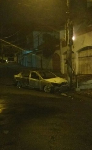 Carro do PM foi encontrado batido e carbonizado