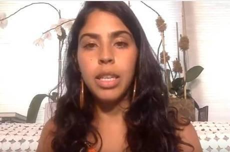 Em seu canal no Youtube, Bela Gil declarou que a episiotomia arruinou sua vida sexual por um ano. Os especialistas contestam