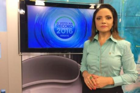 Simone Santos mediadora do debate