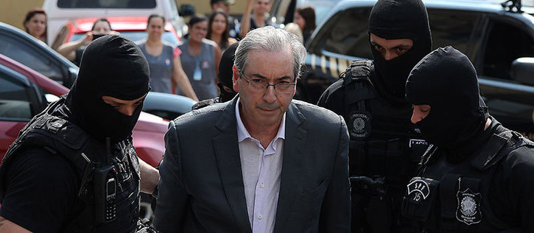Cunha passou por exames no IML de Curitiba (PR). Ele está preso na carceragem da PF desde a última quarta-feira