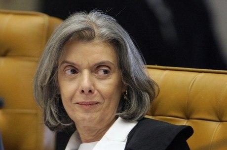 Carmém Lúcia cassou liminar que determinava pagamento dos servidores do Estado do Rio até o 3º dia útil do mês