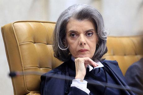 Presidente do Supremo, Cármen Lúcia disparou contra Renan hoje