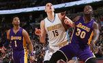 Nikola Jokic, craque do Denver Nuggets, na NBA, foi uma dessas pessoas. Por causa disso, o seu retorno aos Estados Unidos foi atrasado