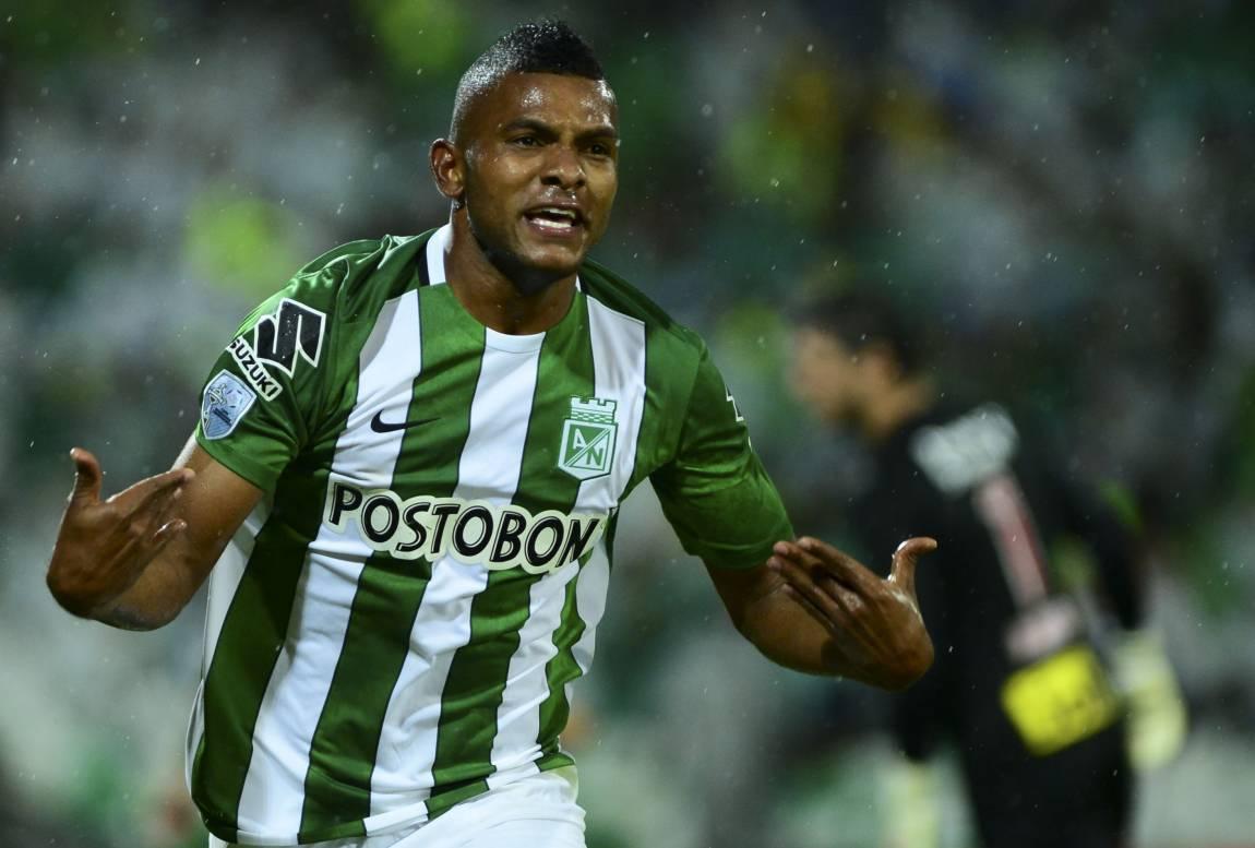 Mercado da Bola agitado  Bota mira novo goleiro e Ganso pode voltar ao  Brasil - Fotos - R7 Futebol 15081e4c08592
