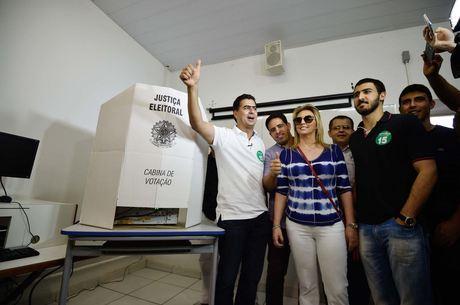 Emanuel Pinheiro (PMDB) é eleito prefeito de Cuiabá (MT)