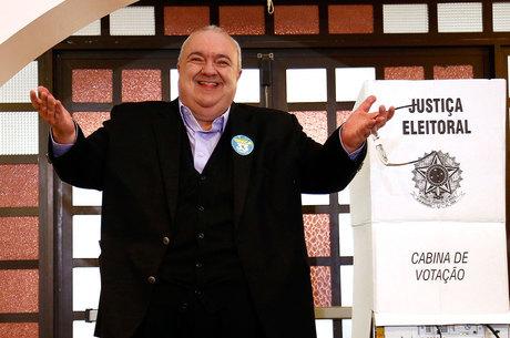 Rafael Greca é o prefeito eleito de Curitiba