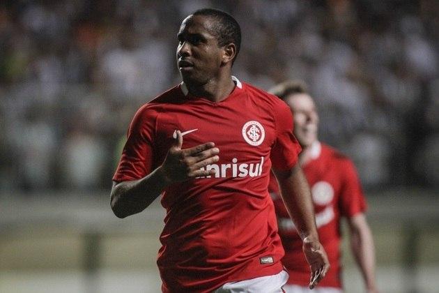 Revelado no Grêmio e herói na Batalha dos Aflitos, em 2005, Anderson teve uma frustrante passagem pelo rival Internacional – depois de carreira na Europa, em Porto e Manchester United. Foram 88 jogos e seis gols marcados
