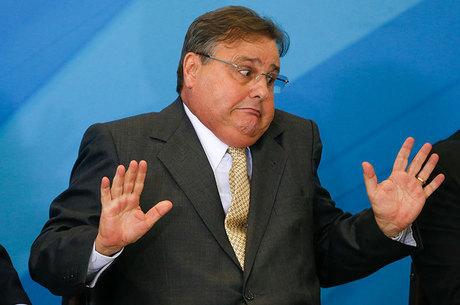 Temer afirma que pretende manter ministro baiano na equipe do governo