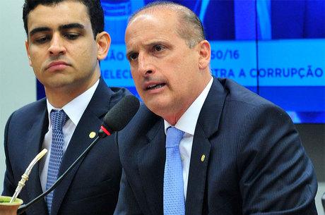 Onyx Lorenzoni (DEM) retirou cinco das 17 medidas anticorrupção