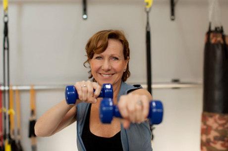 050ccd496 Alimentação e exercício físico adequados podem minimizar as perdas de massa  muscular com a idade