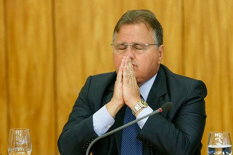 Geddel pede demissão e é o 6º ministro a deixar governo Temer - Notícias -  R7 Brasil