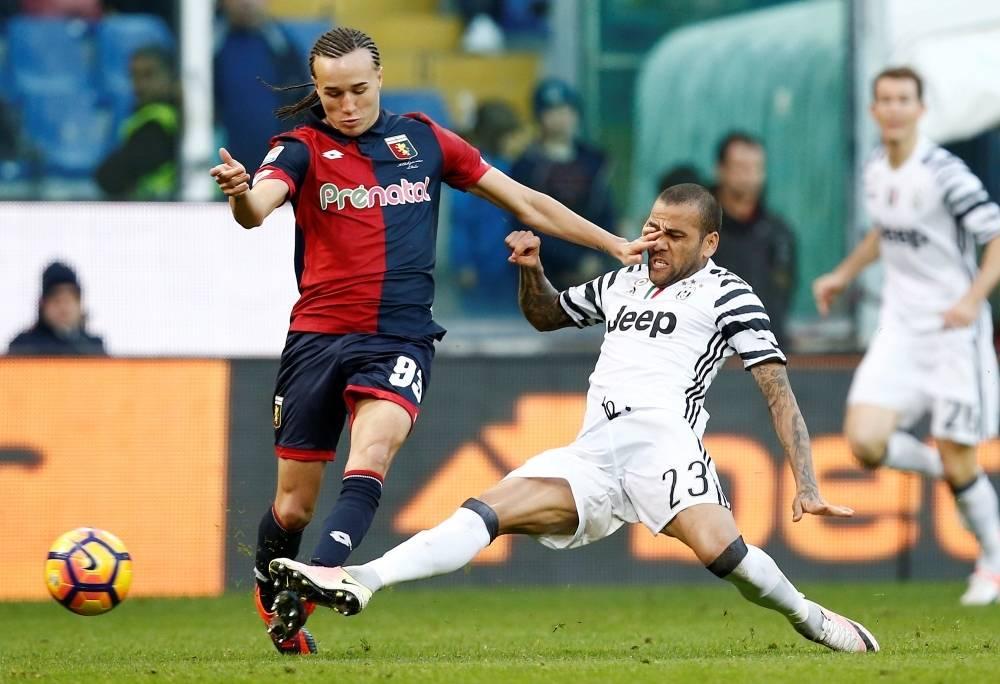 Juventus confirma fratura de Daniel Alves. Lateral ficará quatro meses  afastado - Esportes - R7 Futebol 9d10d120e881e