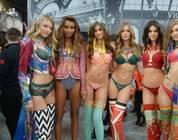 Veja como são as modelos da Victoria's Secret sem maquiagem!