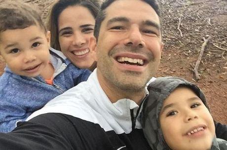 Wanessa em momento família com o marido e os filhos