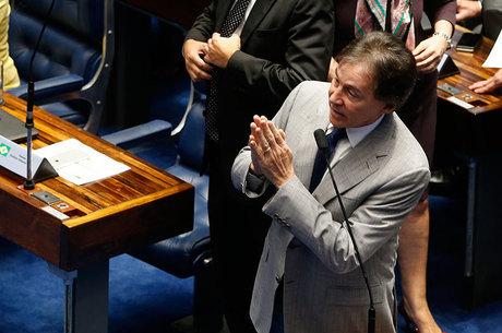 Eunício Oliveira é o favorito para assumir presidência do Senado