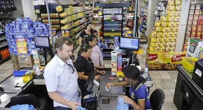 Compras de alimentos no Natal devem superar R$ 220