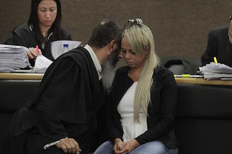 Adriana de Almeida foi condenada pelo assassinato do marido