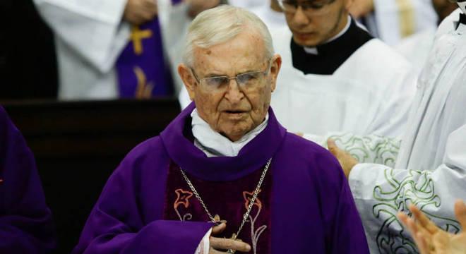 O arcebispo denunciou torturas nos quartéis, visitou presos em celas, liderou atos de protestos