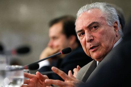 Ibope: três em cada quatro brasileiros desconfiam do presidente