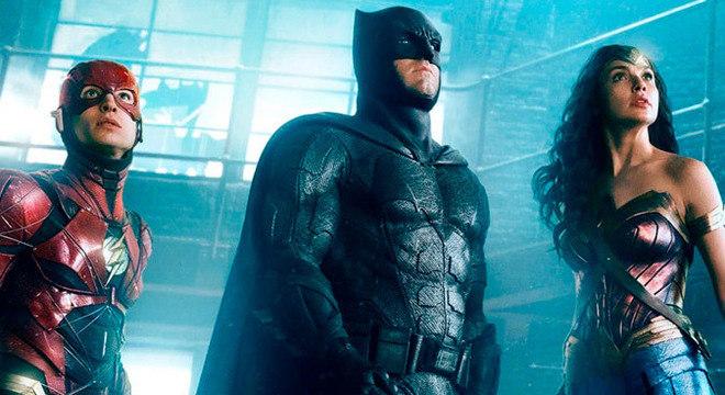Flash, Batman e Muher-Maravilha tentam encontrar o Snyder Cut