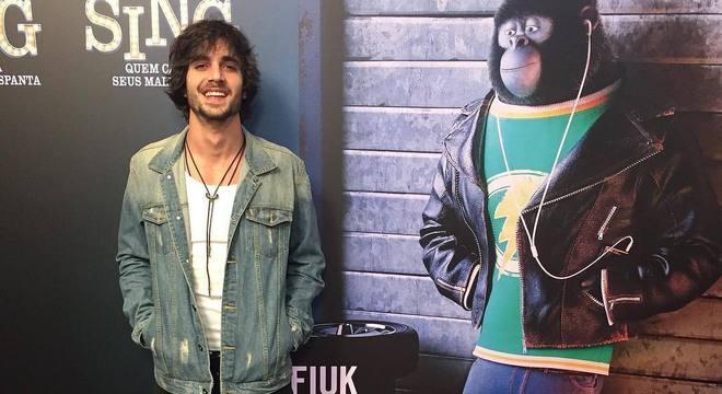 Fiuk dubla o gorila Johnny em Sing