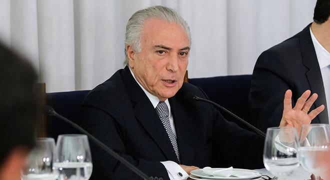 """Temer anunciou """"pacote de bondades"""" ao brasileiro. Saque do FGTS injetará R$ 30 bi na economia"""
