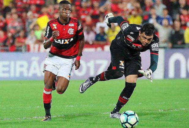 2017 - Após 28 jogos, o Flamengo ocupava a sétima posição, com 43 pontos. Nas 10 rodadas finais, o clube somou apenas 13 pontos e acabou em sexto, com 56.