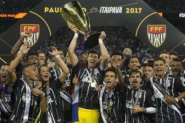 2017 - Naquele ano, o Timão se sagrou campeão paulista ao bater a Ponte Preta com uma vitória por 3 a 0 na ida (Moisés Lucarell) e um empate em 1 a 1 na volta (Neo Química Arena).