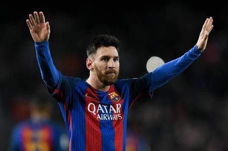 Manchester City oferece R  3 milhões por semana para tirar Messi do ... 0053a79896254