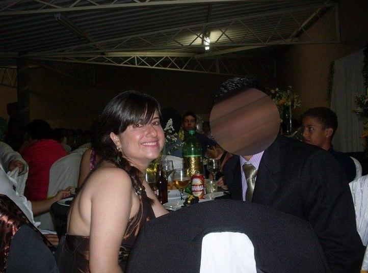 Liliane Ferreira Donato tinha 44 anos e morreu no local. O marido dela estava na casa também. Porém, está entre os sobreviventes