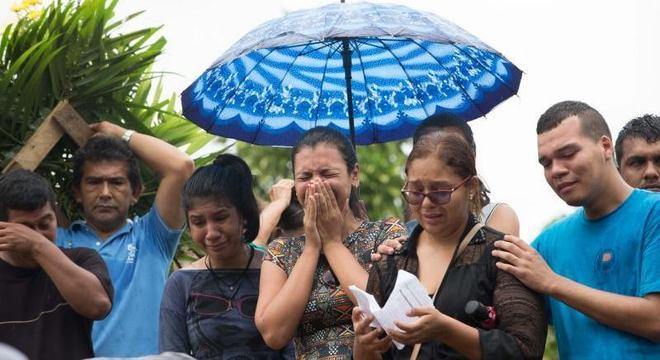 Familiares chocadas com a morte de 55 detentos em presídios de Manaus
