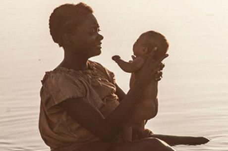 Luena dá à luz sua filha Juliana