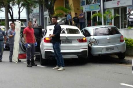 Carro de Zilu bateu em outro carro em Alphaville