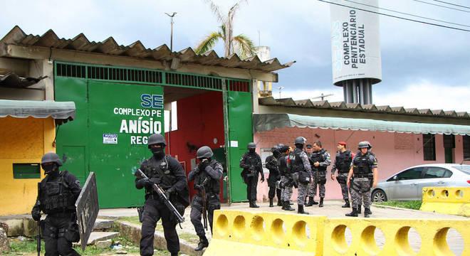 Rebelião aconteceu no dia de visitas de familiares dos presos
