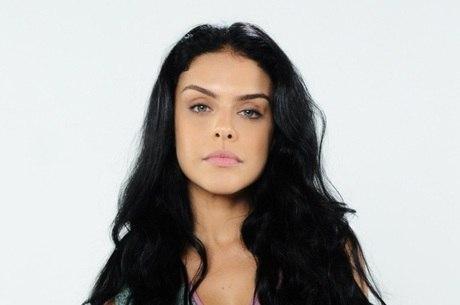 Paloma Bernardi interpreta a vilã Samara em A Terra Prometida