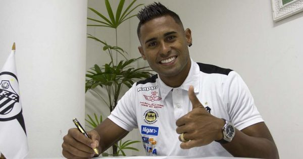 9566fd35fc Santos se apresenta para temporada 2017 e oficializa contrato com atacante  - Esportes - R7 Futebol