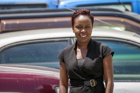 A relações públicas Ndekela Mazimba diz que o dia de folga é importante para ajudá-la a enfrentar as fortes cólicas menstruais