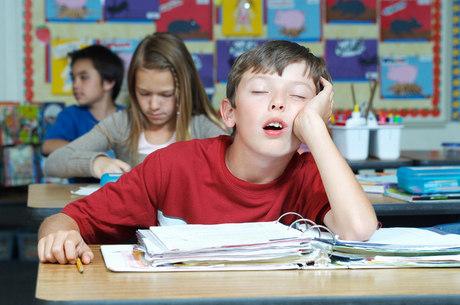 Noites mal dormidas podem influenciar no comportamento escolar