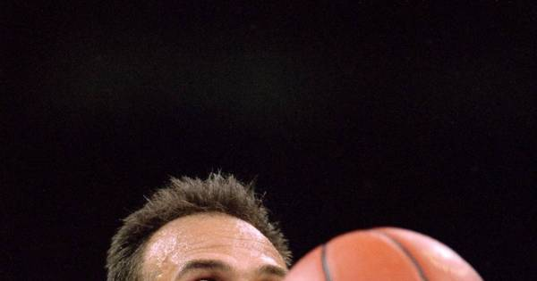 Oscar será homenageado pelos Nets, franquia que o escolheu no Draft da NBA