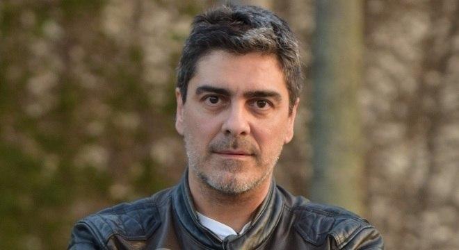 Junno Andrade vai comandar a versão online do Power Couple Brasil