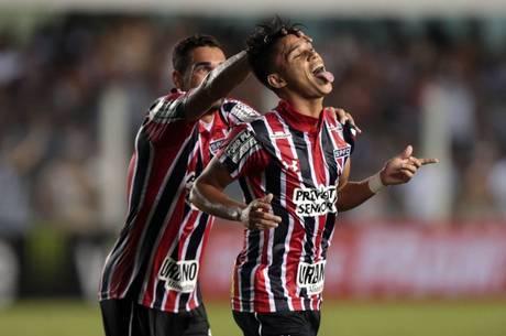 Luiz Araújo saiu do banco de reservas para mudar história do jogo