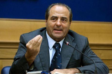 Di Pietro foi senador e ministro do Trabalho e dos Transportes