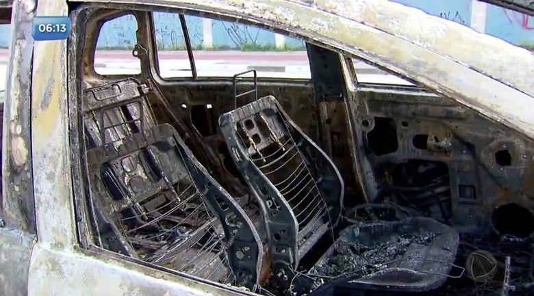 Resultado de imagem para uber carro queimado
