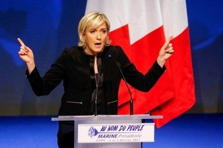 Le Pen é uma das favoritas na corrida presidencial francesa deste ano
