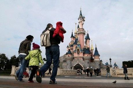 Brasileiros deixaram mais de US$ 1,5 bilhão no exterior em janeiro