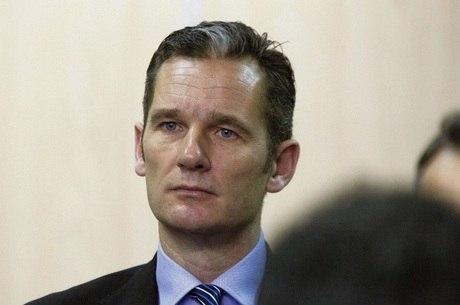 Iñaki Urdangarin foi considerado culpado pelos crimes e, além da pena de prisão, também pagará uma multa de 512 mil euros