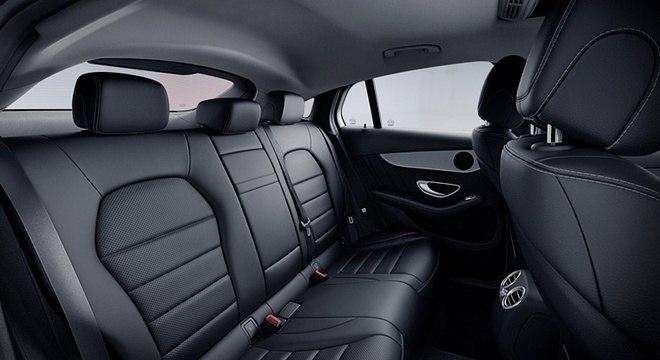 Aceleramos o estiloso mercedes benz glc 250 coup for Mercedes g interno