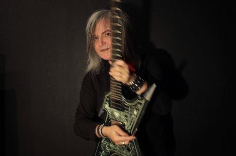 Robertinho levou técnicas de EVH para o rock e MPB