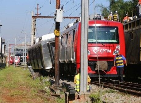 Veja imagens do descarrilamento de trem da CPTM em São Paulo